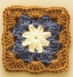 Crochet Granny Square Blankets Pretty and Simple Crochet Square Pattern. More Great Patterns Like This - Pretty and Simple Crochet Square Pattern. Motifs Granny Square, Granny Square Pattern Free, Crochet Motifs, Crochet Blocks, Granny Square Crochet Pattern, Granny Squares, Easy Granny Square, Granny Square Blanket, Point Granny Au Crochet