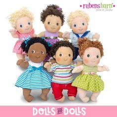 Aquí os presentamos a la familia #RubensCutie, unos simpáticos #muñecos hechos de tela, con un tacto muy suave y con una expresión divertida y amigable. Cada uno con su propia personalidad. Están recomendados para todas las edades ya que están fabricados con suaves materiales.  Son muy duraderos y se pueden lavar, así los más pequeños podrán jugar con ellos durante muchos años. Son el regalo ideal para niños de todas las edades y no tan niños. #Dolls #Bonecas #Poupées #Bambole #muñecas…