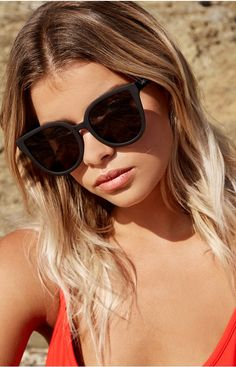 Quay Paradiso Sunglasses Black Smoke