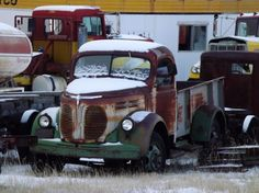 » Old trucks of the Crowsnest