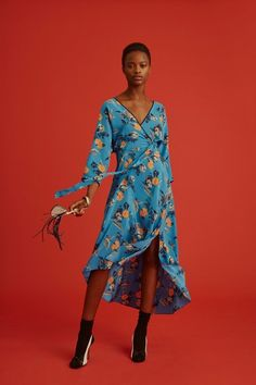 View the full Diane von Furstenberg Pre-Fall 2017 collection.