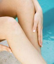 Aprenda a fazer uma pasta caseira para remover os pelos encravados, causados pela depilação.