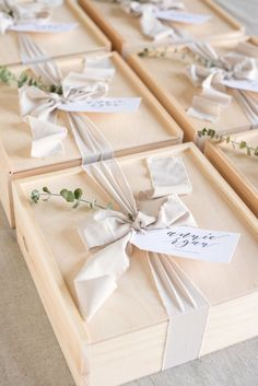 artisan welcome gifts by marigold grey #woodWedding #SouvenirGiftIdeas
