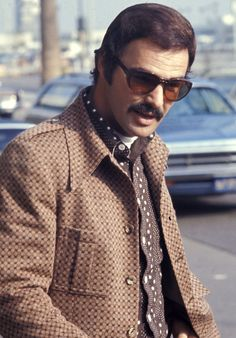 These Photos Perfectly Show the Eternal Cool of Burt Reynolds Burt Reynolds, Hollywood Actor, Hollywood Celebrities, Hollywood Actresses, Phil Jackson, John Lennon And Yoko, Esquire, Actors & Actresses, Cool Outfits