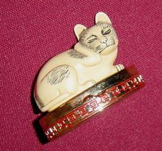 Estee Lauder Contented Cat Solid Perfume Compact