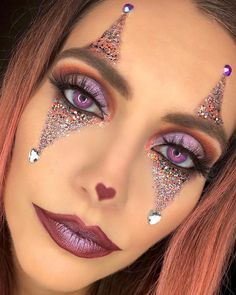 Clown Makeup Pretty This specific Halloween party, just like you integrate your current Hallow's eve Cute Clown Makeup, Circus Makeup, Halloween Makeup Clown, Halloween Eyes, Scarecrow Makeup, Halloween Party, Cute Clown Costume, Jester Makeup, Pretty Halloween Costumes
