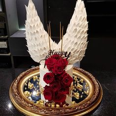 Angel wings Cake Glamour Cake, Royal Icing Cakes, Birthday Candles, Birthday Cake, Angel Cake, Its My Bday, Pretty Cakes, Homemade Cakes, Angel Wings