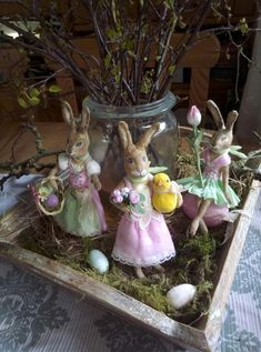 3 Wattehasen-Ladys von 2018 Winter Christmas, Christmas Crafts, New Things To Try, Easter Decor, Easter Bunny, Spring Time, Spun Cotton, Art Dolls, Garden Sculpture