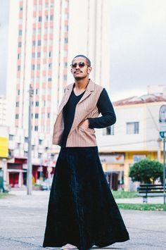 Homem de saia - Men skirt second hand, brechó, brexo, roupa usada  Balaio de Gato brechó, Curitiba