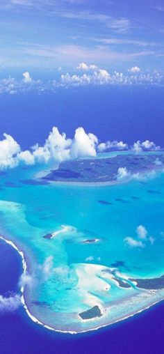 Aitutaki Cook Islands - Several 'Threaders' have gotten some inspiration from here... not hard to see why!!! Beautiful Islands, Beautiful World, Most Beautiful, Beautiful Beaches, Oh The Places You'll Go, Places Around The World, Places To Travel, Travel Destinations, Travel Tips