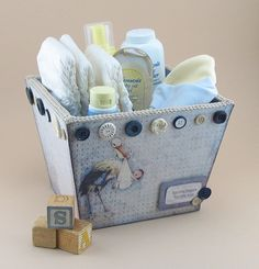 adorable DIY baby gift set, including pattern for the gift box!!!