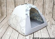 Wonderful Cost-Free Sewing projects for cats Tips Free pattern: Fleece pet igloo for cats and small dogs Sewing Patterns Free, Free Sewing, Free Pattern, Pattern Sewing, Sewing Tips, Sewing Ideas, Pet Beds, Dog Bed, Dog Igloo