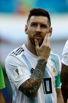 Lionel Messi of Argentina during the 2018 FIFA World Cup Russia Round of 16 match between France and Argentina at Kazan Arena on June 2018 in Kazan, Russia. (Photo by Mehdi Taamallah/NurPhoto via Getty Images) Messi Argentina, Messi And Neymar, Messi 10, Nba Players, Football Players, Cr7 Junior, Lionel Messi Wallpapers, Argentina National Team, Leonel Messi