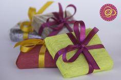 Bem Palhado embalado no papel crepom ou em tecido! Como preferir!