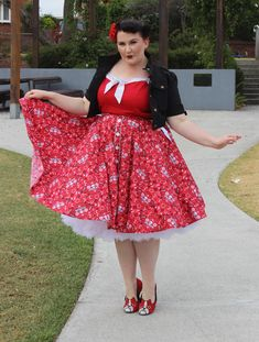 Retro love yourself. No guilt. plus Size. Full figure. Curvy.  Fashion.  BBW. Curves. Accept your body. Body consciousness