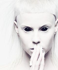 I Love Yolandi Yolandi Visser, Die Antwoord, Sixteen Jones, Dark Portrait, Horror Makeup, Realistic Paintings, Gothic Art, Black White Photos, Interesting Faces