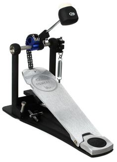 Kick Drum Pedal with Low-mass Cam and Brushed Aluminum Footboard Guitar Pedals, Guitar Strings, Drum Pedal, Chain Drive, Music Backgrounds, Dj Equipment, Guitar Accessories, Music Store, Drummers