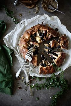 Plates and Platters: Galette pears, blueberries and rosemary # Pear, blueberry and rosemary galette | Food, photography and stories