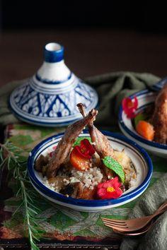 Cous-cous de guatlla i verdures.Cuina a la vora del foc Ethnic Recipes, Food, Jars, Herbs, Essen, Meals, Yemek, Eten