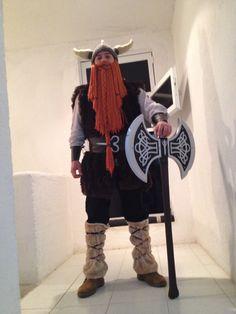 Gorro de Vikingo en Crochet Disfraz completo  Hacha diseñada en 3D y corte láser.