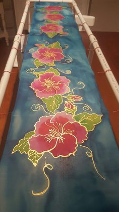 38 Ideas For Silk Screen Techniques Art, Saree Painting, Dress Painting, Fabric Painting, Fabric Art, Hand Painted Sarees, Hand Painted Fabric, Fabric Paint Designs, Batik Art, Silk Art