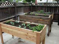 Raised Herb Garden Planter Jamenagemonjardin Com Could Use This