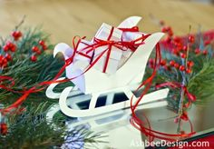 Ashbee Design: Red and White Christmas Tablescape • Reindeer and Sleigh