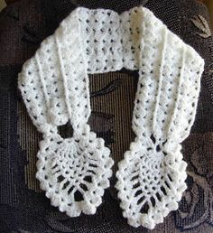 Crochetkari: Crochet Pineapple Neck warmer Thread Crochet, Crochet Scarves, Crochet Stitches, Knit Crochet, Crochet Hats, Poncho Knitting Patterns, Crochet Patterns, Crochet Neck Warmer, Mode Crochet