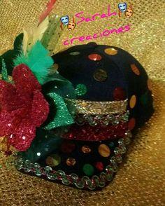 Gorra carnavalera Party Props, Captain Hat, Carnival, Photoshop, Halloween, Crafts, Head Bands, Sun Visor Hat, Molde