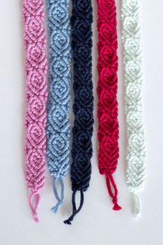 Make Alpha Friendship Bracelets - Craft & Patterns Yarn Bracelets, Embroidery Bracelets, Handmade Bracelets, Ankle Bracelets, Learn Embroidery, Embroidery Patterns Free, Armband Tutorial, Art Hama, Monochrome