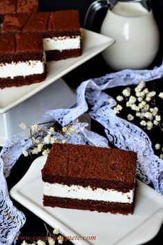 Raspberry Chocolate Layer Cake - layers of moist chocolate cake, chocolate ganache and raspberry filling! Sweet Recipes, Cake Recipes, Snack Recipes, Dessert Recipes, Romanian Desserts, Romanian Food, Cooking Cake, Dessert Drinks, Cakes And More