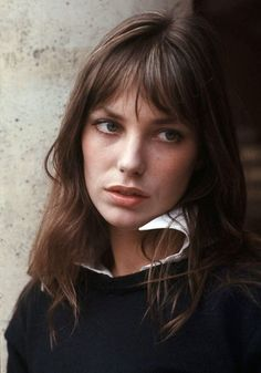 Classic looks like this one worn by style icon Jane Birkin were a source of inspiration for our new French Terry Sweatshirt. How will you wear yours? Jane Birkin, Gainsbourg Birkin, Serge Gainsbourg, Charlotte Gainsbourg, A Well Traveled Woman, Star Francaise, Grunge Hair, Twiggy, Hair Inspiration