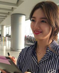 [14/10/2016 .BM] 160913 수지 at Hong Kong Airport ❤ Hong Kong ✈ Korea ❤ #madametussauds # #madametussaudshongkong #waxfigure