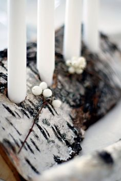 13-Scandinavian-Christmas-Decorating-Ideas_candle holder