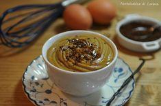 Crema al caffèLA CREMA PASTICCERA:  500 ml di latte 3 tuorli d'uovo 110 g di zucchero semolato 1 pizzico di sale 60 g di farina 00 1/2 bacca di vaniglia (oppure 1 vanillina) PER COMPLETARE:  8-10 g di caffè solubile 4-5 cucchiai di panna montata