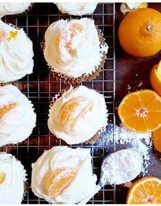 Sunny Mandarin Cakes & Juicy Frosting! #SnackwithImpack #spon #cupcakes #citrus #bake #halloween #backtoschool