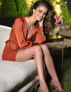 Taylor Hill joins Victoria Justice at the Daniel Wellington Event . - Taylor Hill joins Victoria Justice at the Daniel Wellington event - Taylor Marie Hill, Taylor Hill Style, Taylor Hill Hair, Victoria Justice, Daniel Wellington, Fashion Models, Fashion Outfits, Fashion Weeks, Beautiful Legs