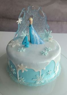 Eiskönigin Torte - Famous Last Words Elsa Birthday Cake, Frozen Themed Birthday Cake, Frozen Theme Cake, Frozen Themed Birthday Party, Disney Frozen Birthday, Themed Cakes, Disney Frozen Cake, 4th Birthday, Frozen Cake Pops