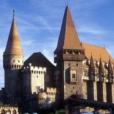 astle of Huniazi, Romania. The first mention of the castle dates from 1443 and appears in a document signed by Iancu of Hunedoara which was kept untill now. The first heir to the castle, Iancu of Hunedoara, begins around 1440 for upgrading and expansion o Medieval Houses, Medieval Castle, Beautiful Castles, Beautiful Buildings, Beautiful Places, Romanian Castles, Royal Residence, Mont Saint Michel, Cool Places To Visit