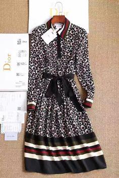 Платье Dior цветочный принт! Размеры S M L цена 5999 руб