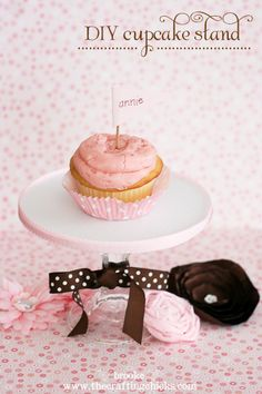 Instructions for DIY Cupcake Stands that costs only a few dollars to make!  thecraftingchicks.com