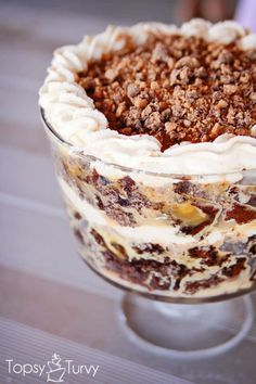 Chocolate Caramel Toffee Trifle - It is hard to go wrong with cake soaked in caramel, toffee and whipped cream. this trifle is a huge it with everyone Trifle Bowl Recipes, Trifle Recipe, Cake Recipes, Dessert Recipes, Nutella Recipes, Chocolate Recipes, Just Desserts, Delicious Desserts, Layered Desserts