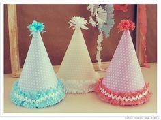 chapeu de festa de aniversario com pom pom - Pesquisa Google