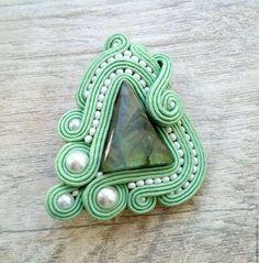 ref 073 collar te de menta Soutache Earrings, Ring Earrings, Shibori, Handmade Jewellery, Wearable Art, Techno, Jewelry Crafts, Macrame, Brooch