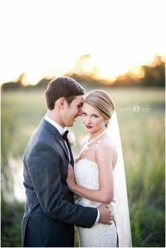 Wedding day | Vintage wedding | Bride and groom portraits | Candid wedding pictures | Lace wedding dress | Wedding veil | Aislinn Kate Photography