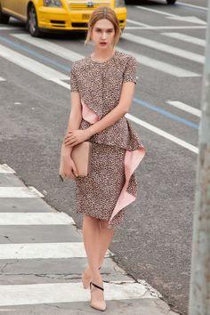 Блузка прямого силуэта - выкройка № 120 А из журнала 8/2015 Burda – выкройки блузок на Burdastyle.ru