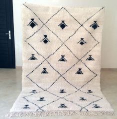 BENI OURAIN Gorgeous handmade rug 100% wool an authentic