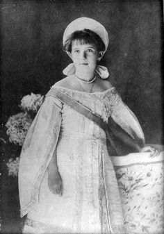 Grand Duchess Anastasia Nikolaevna Romanova in a russian court dress, circa 1910