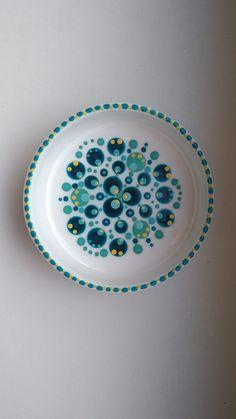 Gemaakt bij een stipstijl meeting. Altijd dankbaar voor de inspiratie van Nienke! Dot Art Painting, Mandala Painting, Pottery Painting, Ceramic Painting, Mandala Dots, Mandala Pattern, Ceramic Cafe, Doodle Background, Stippling Art
