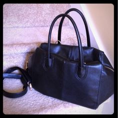 NY&C Boston Style Bag Huge and spacious Black with gold tone accents faux leather Boston style bag with removable shoulder strap from New York & Company. Carried 2x for a few hours. Practically new. NO TRADES New York & Company Bags Shoulder Bags